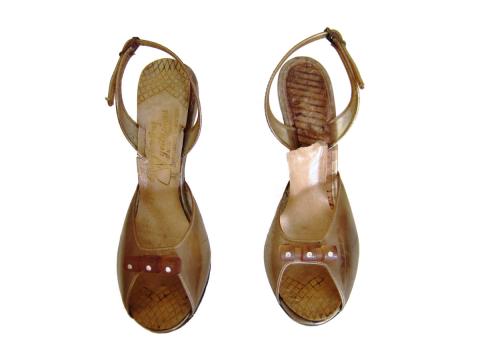 Zapatos plásticos