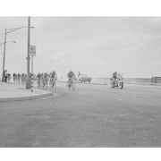 Competencia ciclística en el Malecón de La Habana