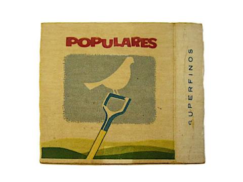 Cajetilla de cigarros Populares diseñada en 1961