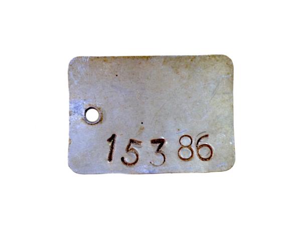 Chapilla con número de inventario