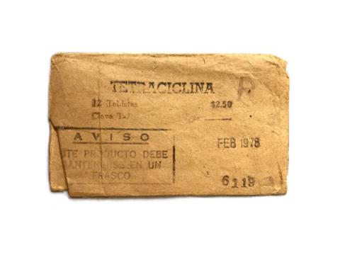 Sobre de pastillas de tetraciclina