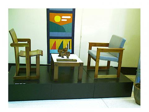 Muebles y vajilla diseñados por Gonzalo Córdoba y María Victoria Caignet